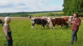 Mary Berry enjoys meeting 100% pasture-fed cattle on BBC Countryfile